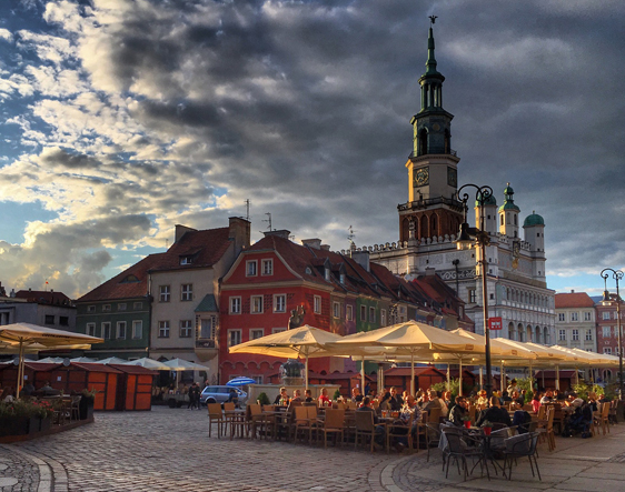 INTERNATIONAL - Recruiting talent in Poland's increasingly